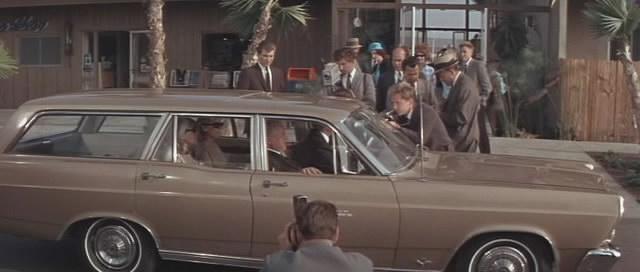 IMCDb org: 1966 Ford Fairlane 500 [71D] in
