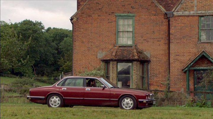 """IMCDb.org: 1994 Jaguar XJ6 3.2 Gold XJ40 in """"Midsomer Murders, 1997-2020"""""""