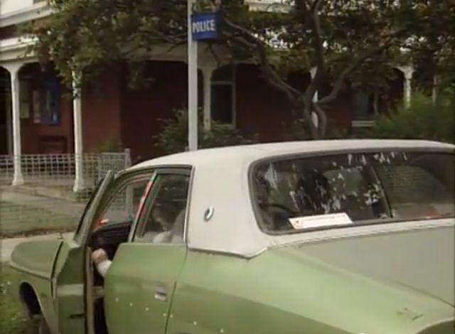 IMCDb.org: 1976 Chrysler Valiant [CL] in Yat goh ho yan